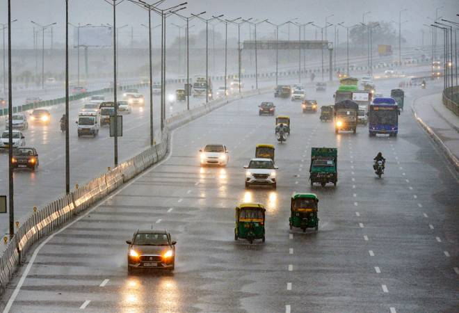 Delhi weather: Heavy rain in national capital for next 2-3 days; waterlogging woes continue