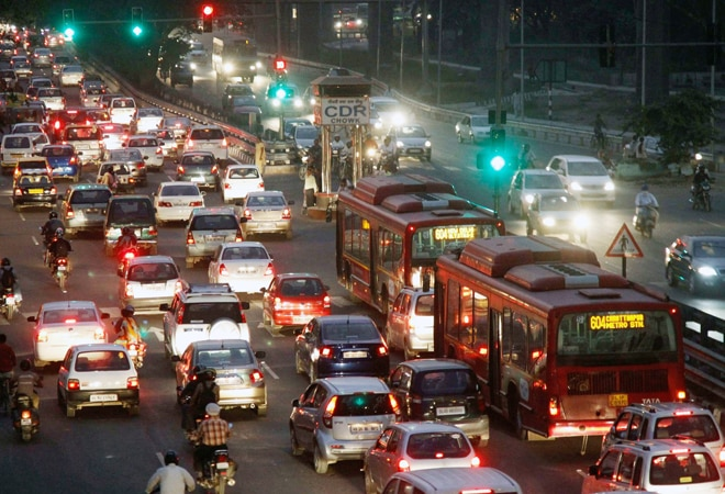 Delhi launches 'Red Light On, Gaadi Off' initiative to tackle air pollution