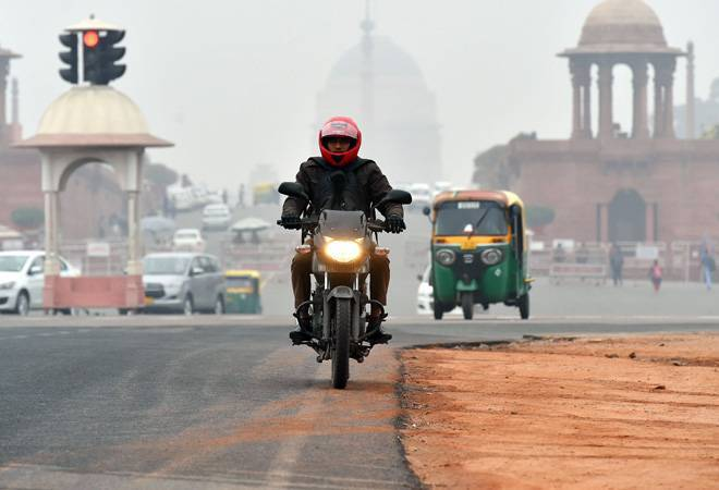 Delhi weather today: City shivers as minimum temperature hovers around 2.8-3.4 degree Celsius