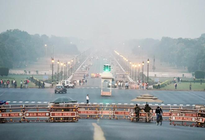 Delhi witnesses coldest morning of season; minimum temp falls to 4.1 degree Celsius