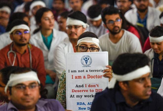 West Bengal Doctors' strike Day 5: Doctors seek apology from Mamata Banerjee; IMA calls for pan-India strike