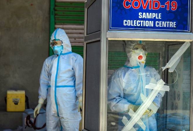 Coronavirus: BMC asks Mumbai doctors to serve COVID patients for 15 days or lose licence