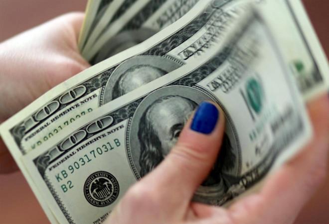 Dollar continues to fall in 2021; yuan, euro shine