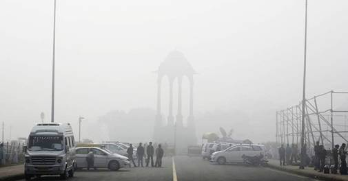 Delhi air pollution in severe category; schools shut till Friday