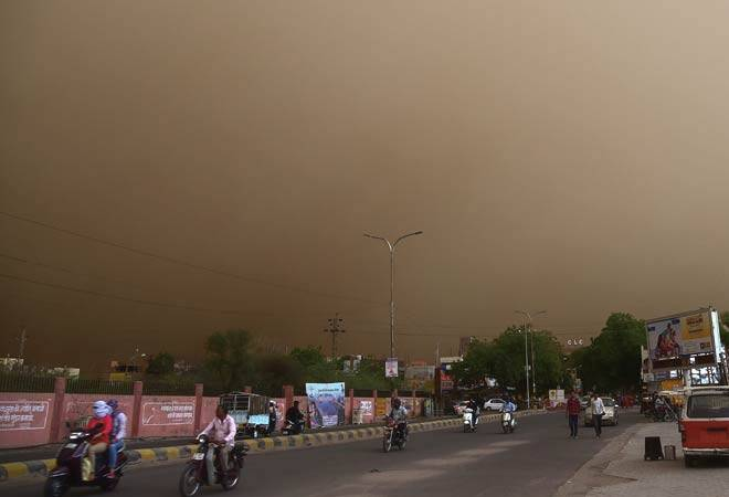Dust storm in UP, Rajasthan kills 97, over 200 injured; another squall expected in next 2 days