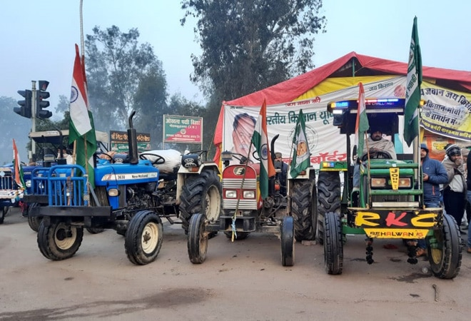 Farmers take out tractor rally across Ghazipur, Singhu, Tikri borders; security beefed up in national capital
