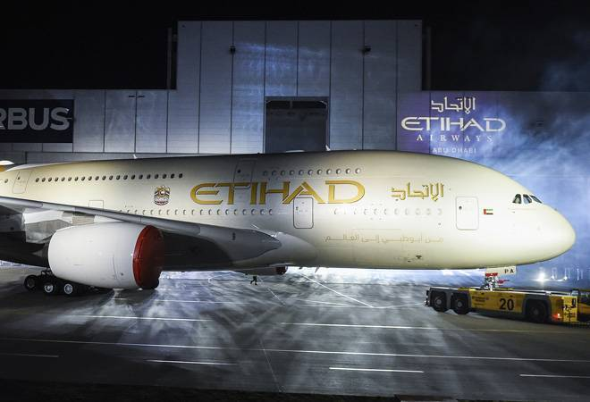 Etihad offers to sell its 24% Jet Airways stake to SBI at a loss