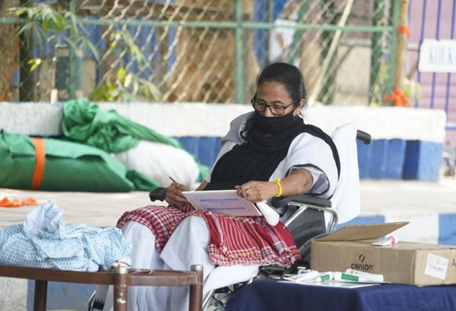 Mamata Banerjee takes to painting while protesting against EC ban