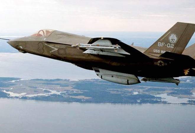 """19/"""" x 13/"""" Poster Pilot Protecting the F35"""