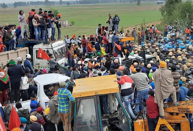 Ten trade unions extend moral support to farmers' call for 'Bharat Bandh' on Dec 8