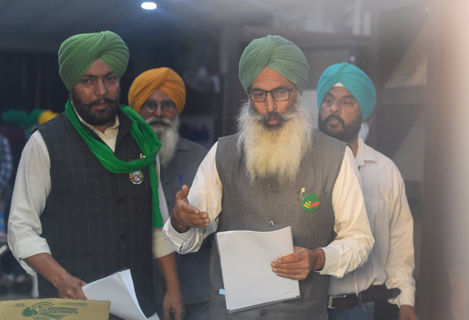 Farmers reject fresh govt proposals, say march to Delhi to continue