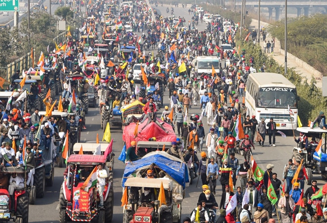 Farmers stick to core demands; say no plans to abandon march to Parliament on Budget day