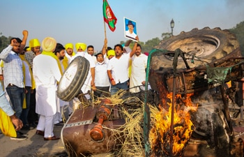 Congress, opposition parties scale up nationwide protests against farm laws; to move Supreme Court