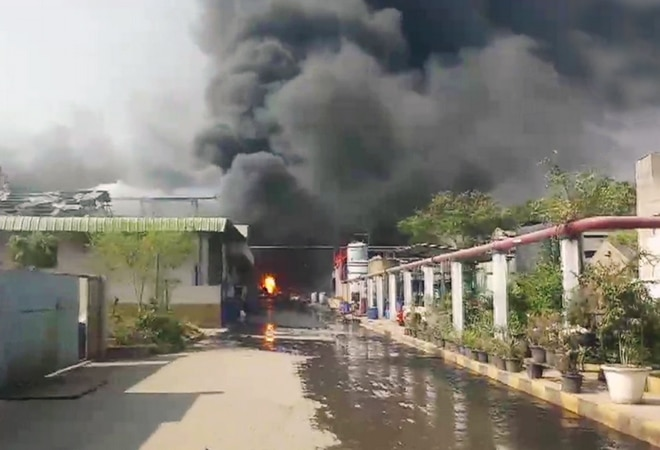 8 hurt as massive fire breaks out at Hyderabad chemical factory