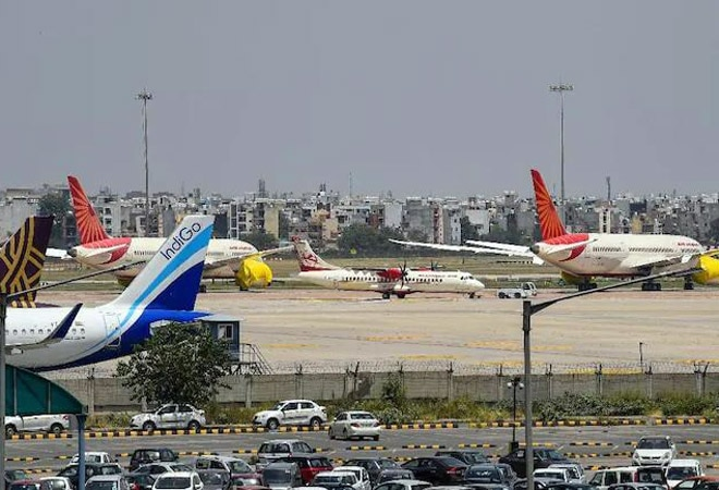 Govt bans on-board meals in flights as Covid-19 cases rise