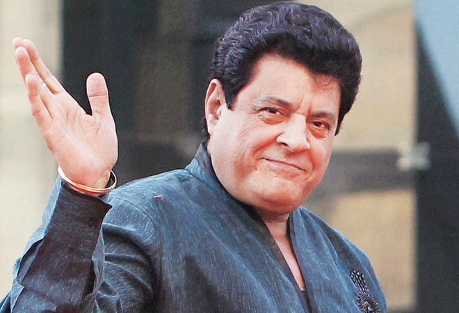 FTII students intensify stir against Chauhan's appointment