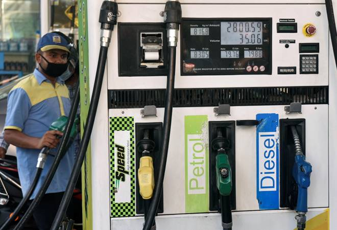 Petrol, diesel prices remain unchanged today; Delhi diesel rates cheapest in country at Rs 73.56 per litre
