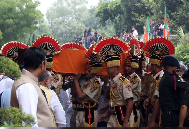 Arun Jaitley funeral: BJP stalwart cremated with full state honours amid heavy rain