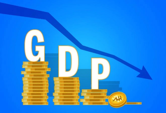 Moody's forecasts 7% GDP contraction for India in FY21; revises estimate to 13.7% growth in FY22