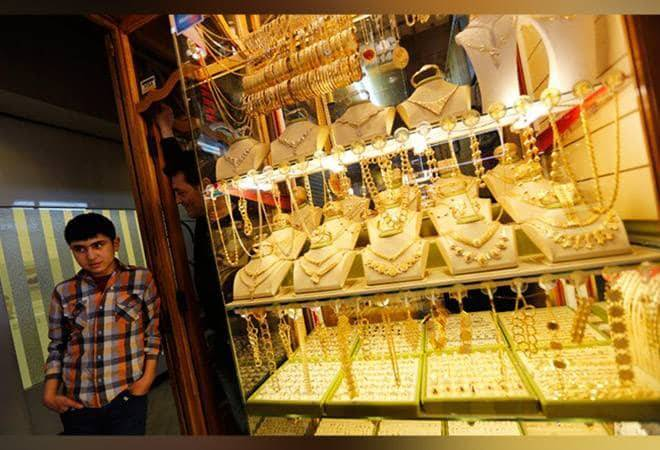 Gold nears Rs 40,000 on the weaker rupee; silver surges Rs 2,110