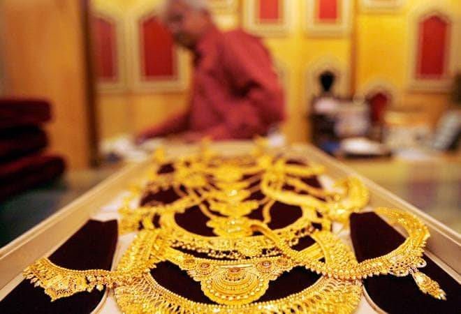 India's quarterly gold jewellery demand falls 48% to 53 tonnes