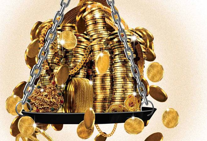 Fall in gold prices has gold loan companies reeling