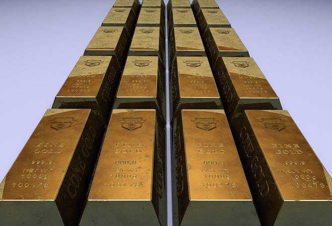 Gold trades flat as number of new coronavirus cases fall
