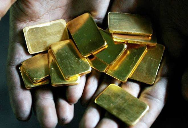 Gold prices surge Rs 460 to Rs 38,860 on weak rupee, spike in crude prices