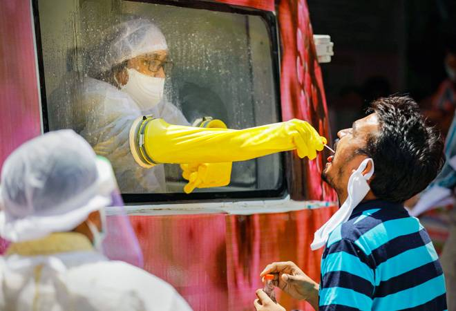 Coronavirus update: Maharashtra reports highest single-day spike in deaths; COVID-19 cases tally at 72,300