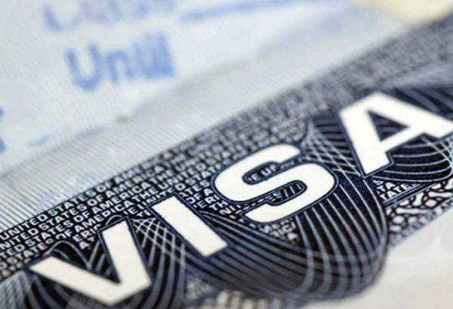 Spouses of H-1B visa holders might have to wait as US delays notification of new work permit rules