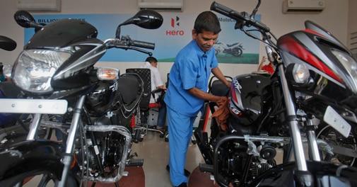 Hero MotoCorp unveils two new 100 cc bikes