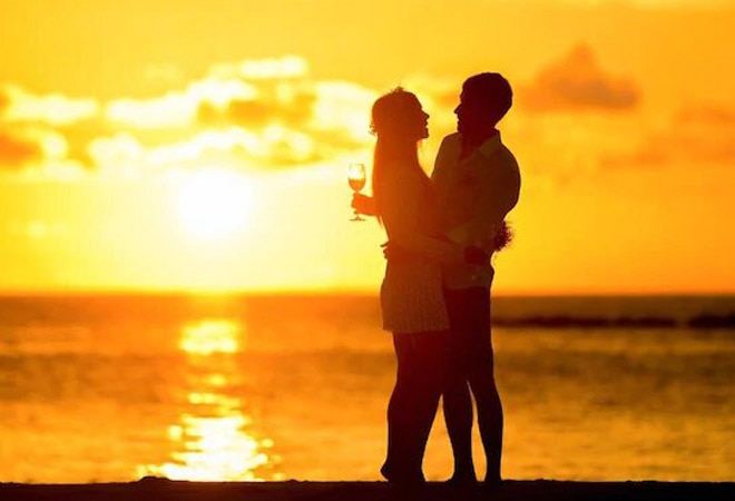 Happy Hug Day 2021: Wishes, Messages, WhatsApp and Facebook Status, Images, Quotes to share with your partner