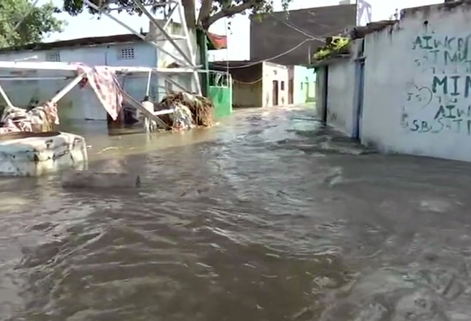 Hyderabad rains: Evacuation in low lying areas; Balanagar Lake breaches level