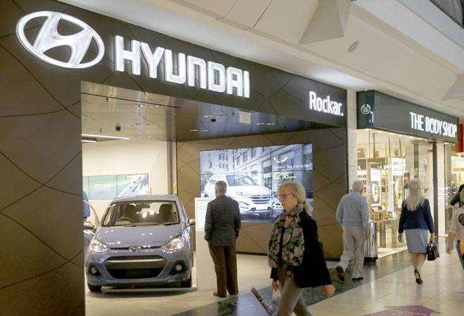 Hyundai to train 10,000 sales consultants on its new technology
