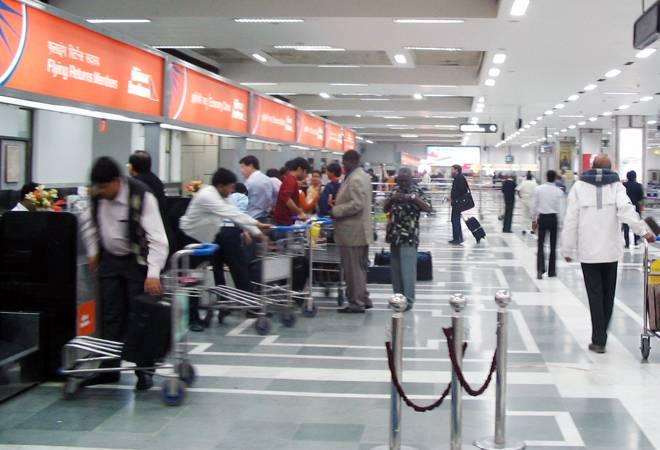 7-day mandatory institutional quarantine for UK flyers arriving in Delhi