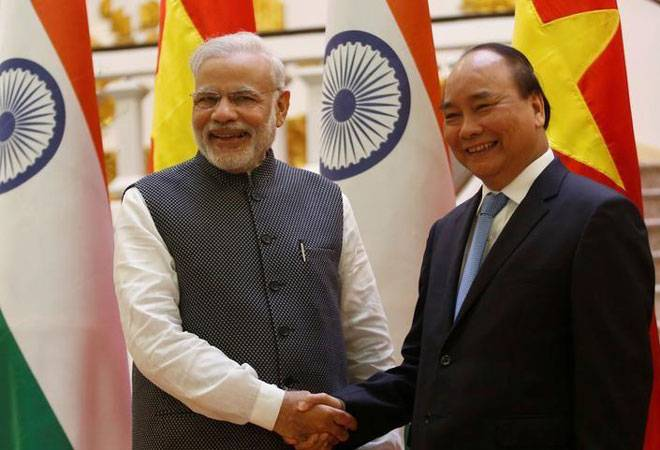 India extends $500 mn to Vietnam to bolster defence ties