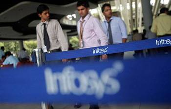 Infosys to recruit more freshers; aims to cut costs up to $150 million