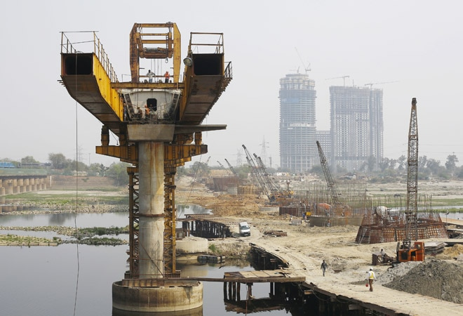 450 infrastructure projects show cost overruns of Rs 4.28 lakh crore