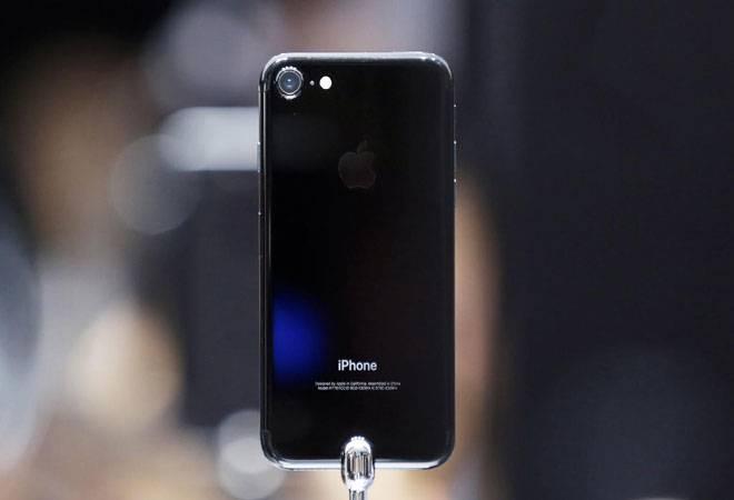 Apple iPhone 7 in jet black colour. Courtesy: Reuters