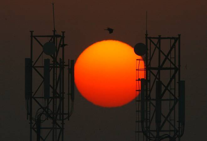 'Tata Tele, Reliance Jio, 3 other telecom operators understated revenue by Rs 14,000 crore'