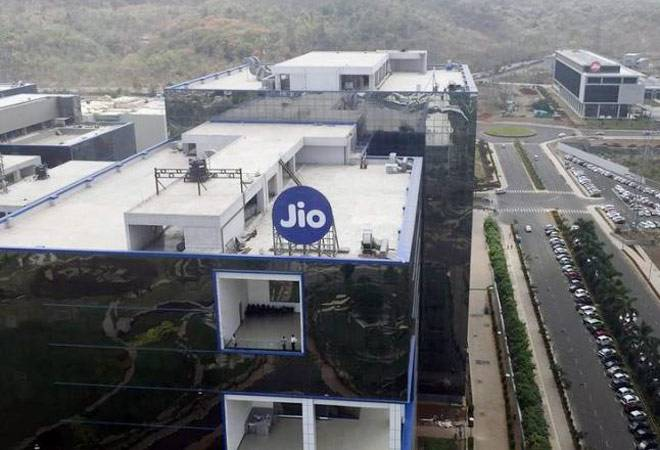 LeEco partners with Reliance Jio for Welcome Offer