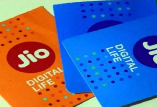 Jio users can now recharge accounts via WhatsApp; here's how