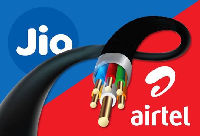Reliance Jio GigaFiber Vs Airtel V-Fiber: Broadband speed, data plans and price compared