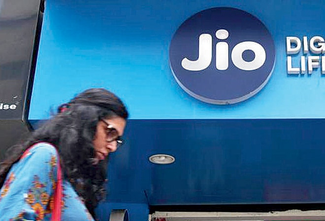 Reliance Jio plans to sells 5G smartphones at Rs 2,500-3,000