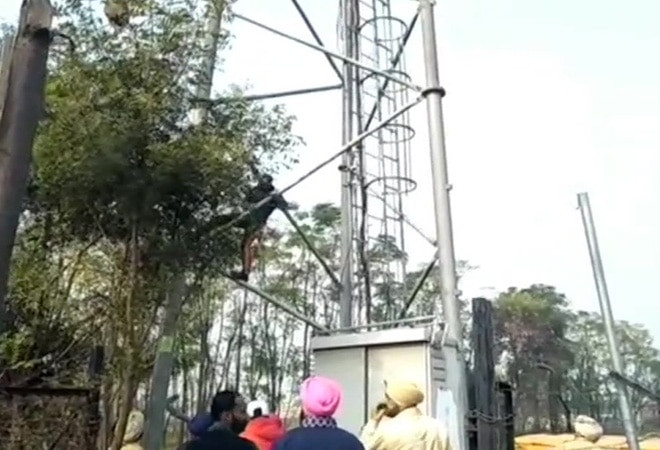 Reliance Jio writes letter to Punjab CM over vandalised mobile towers