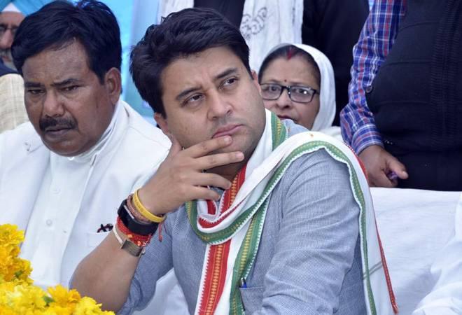 Lok Sabha election results 2019: Jyotiraditya Scindia trails in family's bastion Guna; BJP's KP Yadav leads