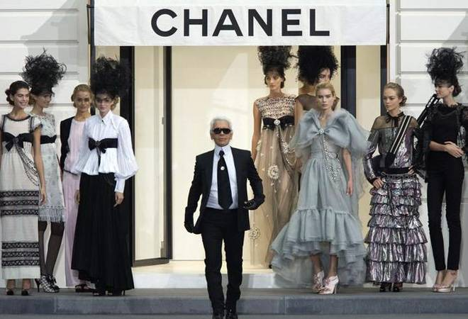 Iconic Chanel Fendi Designer Karl Lagerfeld Dies At 85,Beginner Graphic Designer Resume Pdf
