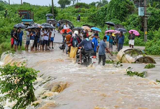Monsoon rains: Red alert in 9 Kerala districts; floods wreak havoc in  Maharashtra, Karnataka