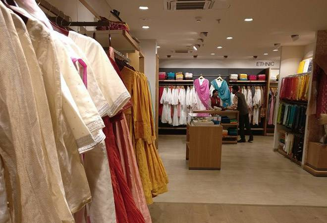 Khadi sales estimated to touch all-time high of Rs 3,200 crore this fiscal: KVIC