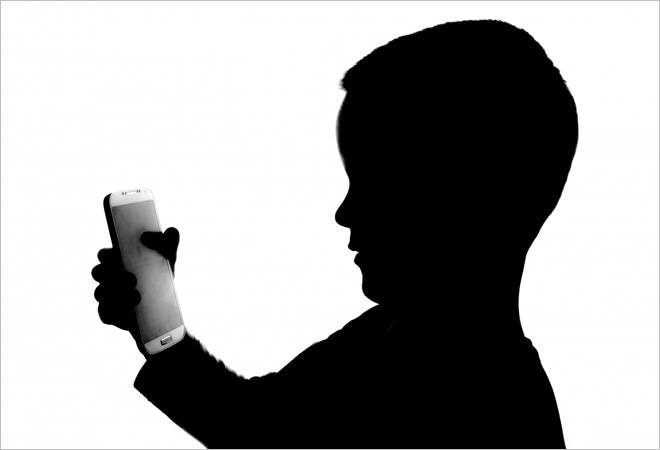 WHO recommends only one hour screen time for children under 5